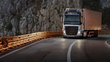 Volvo FH dynamic steering