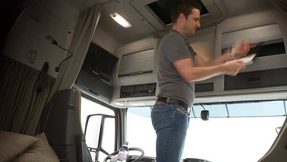 Full standing height in the Volvo FH Globetrotter and Globetrotter XL