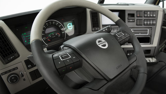 Fully adjustable steering wheel with neck tilt