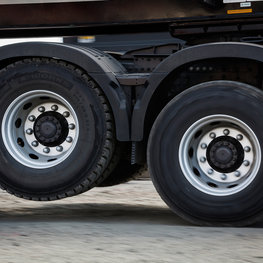 Tandem Axle Lift reduces fuel consumption and the turning radius