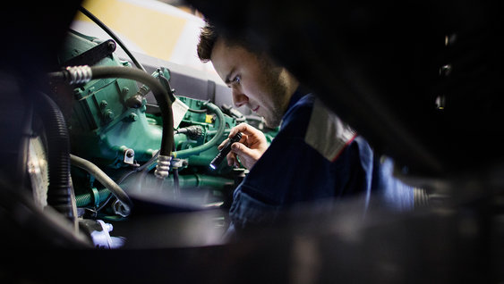 Contracts help to keep your Volvo FMX in peak condition