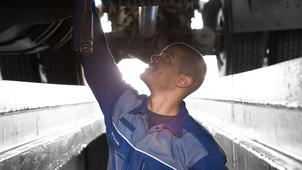 Volvo trucks services servicing contracts gold pit mechanic